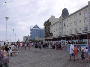 Ocean city boardwalk people